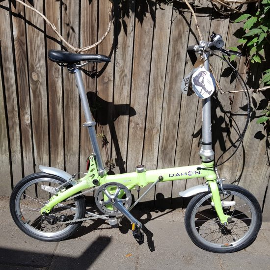 full side view of lime dahon jifo