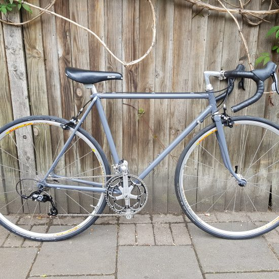 full front view of Harbour roadbike grey