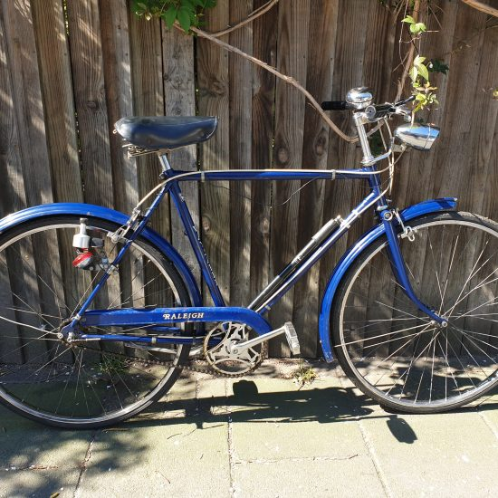 side view of vintage Raleigh Wayfarer bicycle